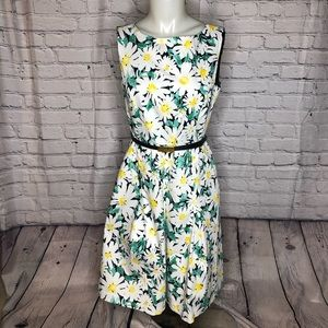 Jones New York daisy a line dress w/ belt size 6